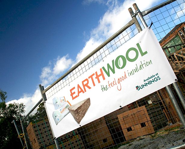 Knauf Earthwool Outdoor Banner